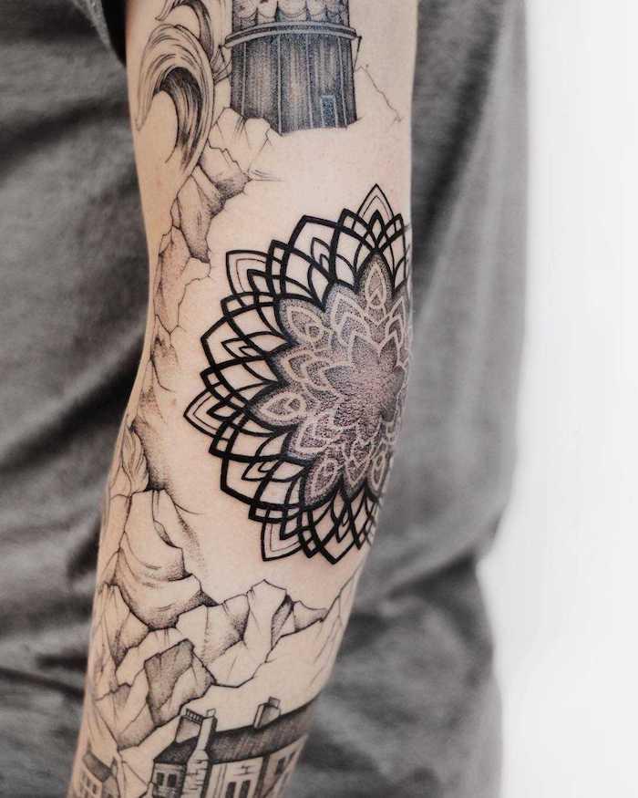 Tattoos am ganzen Arm, Mandala Blume und Gebäude, Tattoo Motive zum Entlehnen