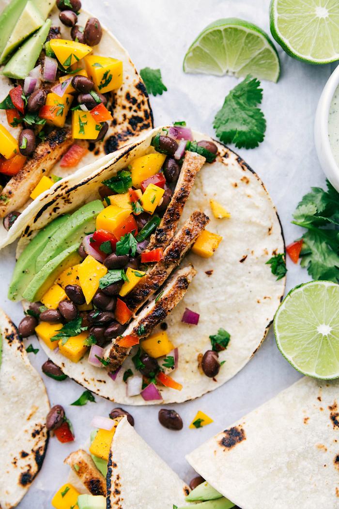 Füllung für Tortillas selber machen, Hühnerfilet mit frischem Gemüse und schwarzer Bohne