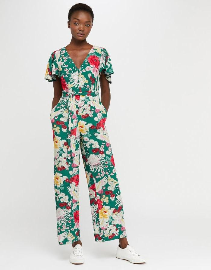bio mode in bunten farben, hm macht öko kleider und jumpsuits, lassen sie sich überraschen, eine frau