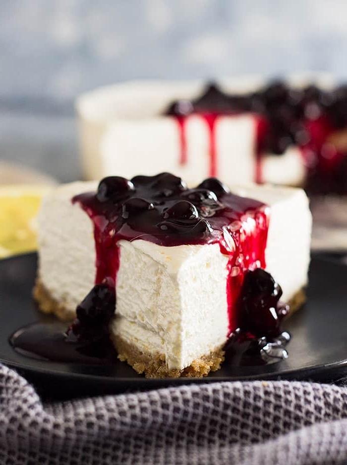 nachtisch rezepte einfach und schnell, cheesecake mit kirschen, fphiladelphia torte mit kirschmarmelade