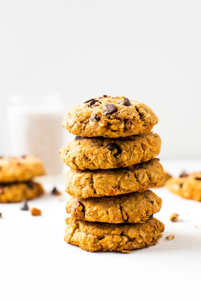 picknick snacks, gesunde kekse mit kürbis und schokoladenchips, rezepte kindergeburtstag
