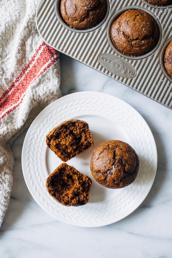 picknick snacks rezepte, muffinsrezept mit zimt und kako, gesunde muffins, partyrezepte, vegan