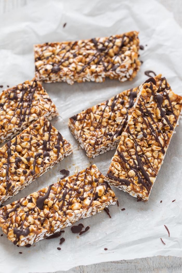 protein snacks, riegel mit schokolade, erdnussbutter und nüssen, energy bars rezept