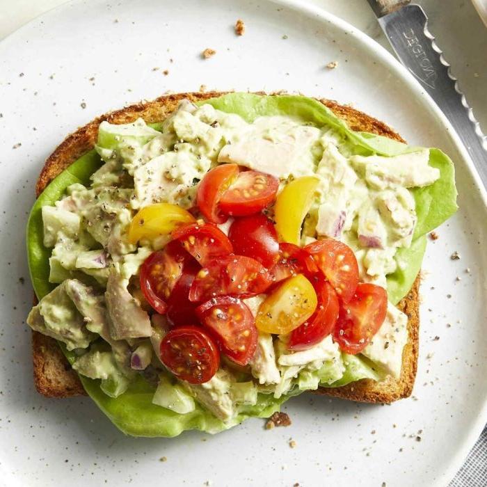 was koche ich morgen, das schnellste gericht je, sandwich mit avocado, käse oder cottage und kirschtomaten