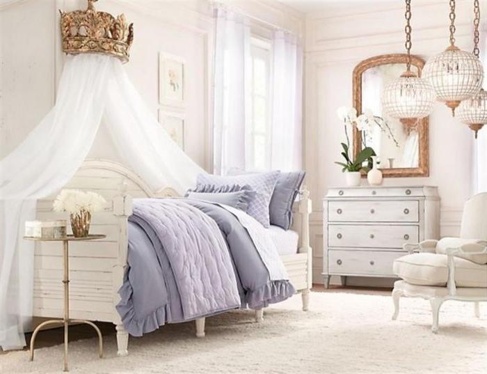 schlafzimmer design, ein kreatives design mit krone über dem bett, woraus vorhänge fallen, prinzessinnen design im schlafzimmer, marokanische lampen
