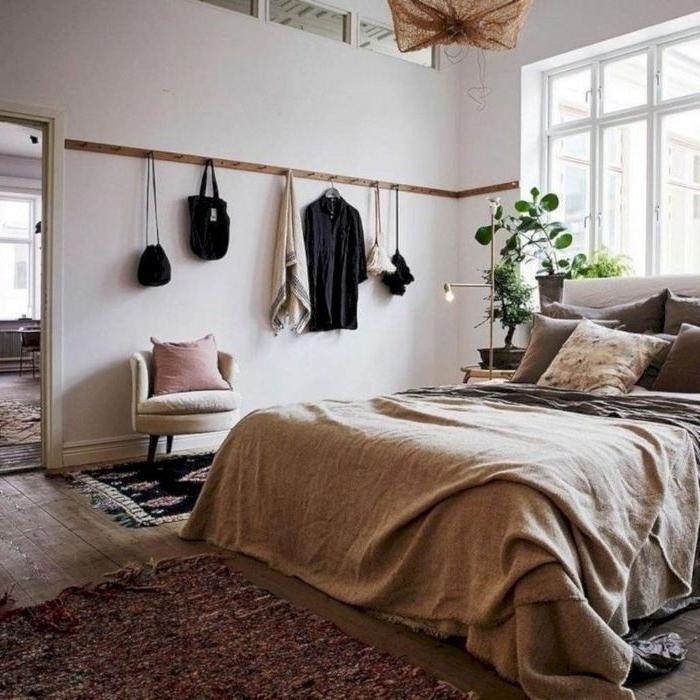 schlafzimmer modern, garderobe am anhänger binden, coole idee für schlafzimmer, dekorationen