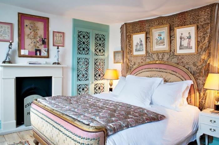 schlafzimmer komplett mit boxspringbett, indisches design, wandbilder, dekorationen, arabesken motive