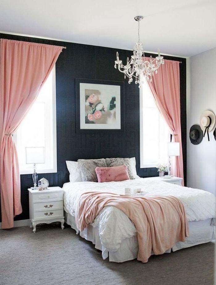 schöne schlafzimmer, schwarz und rosa gestalten, zimmer ideen, bild, wanddeko idee, rosa vorhänge