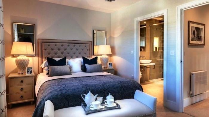 schöne schlafzimmer, doppelbett im schlafzimmer, zwei lampen, design idee