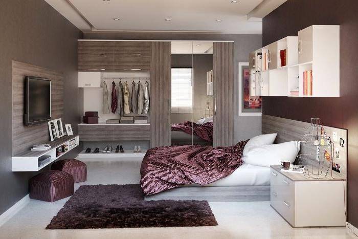 ankleidezimmer ideen, lila bettdecke, bett, weiße wäsche, beige mit lila kombination, klassisch und elegant