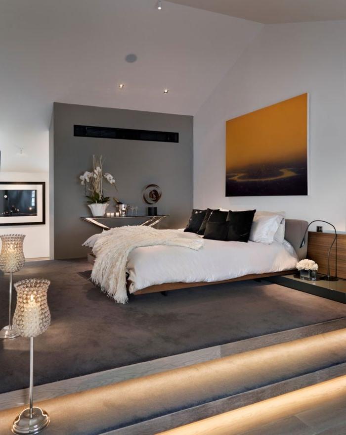 ankleidezimmer ideen, treppe mit besonderem licht führt zum bett, schlafzimmer
