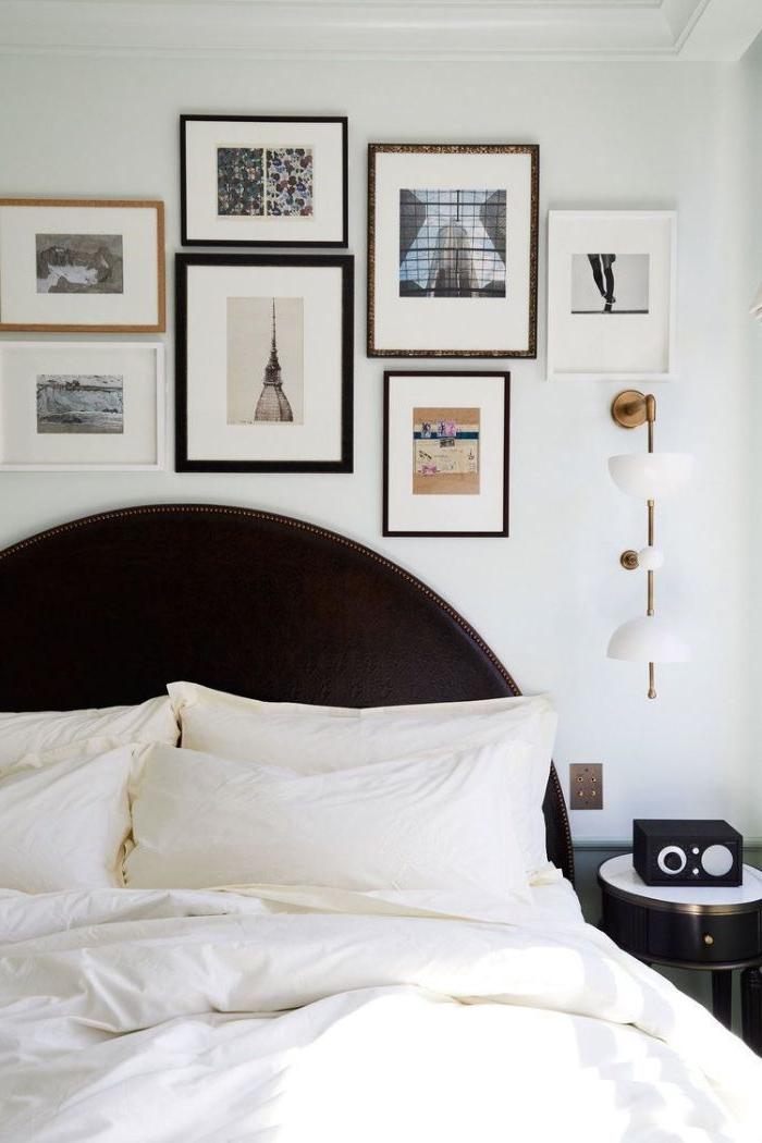 deko ideen schlafzimmer, wanddekorationen, wand gestalten, schöne bildideen, schwarzes bettrahmen