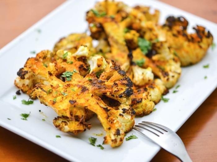 schnelle vegetarische rezepte für jeden tag, gebackenes blumenkohl mit gewürz und kräutern