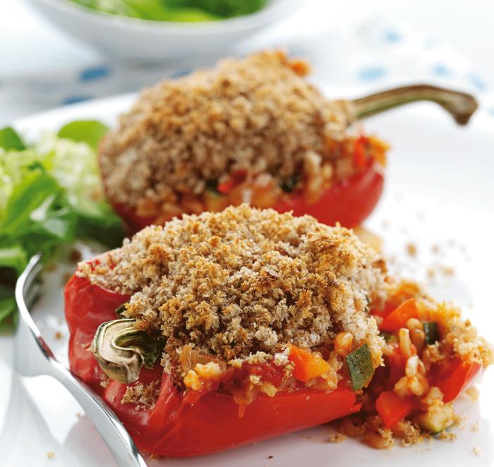 schnelle vegetarische rezepte für jeden tag, paprikas mit füllung aus bohnen, zucchini und tomaten