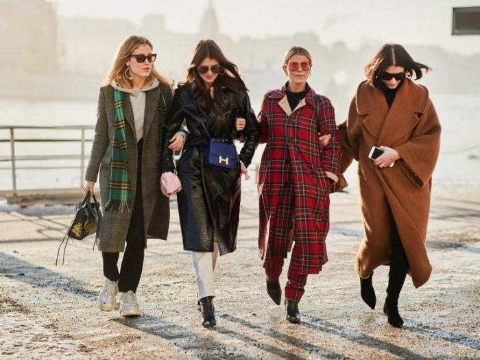 schwedischer onlineshop mode, freundinnen vier stilideen mantelmode, rote kariertes modell