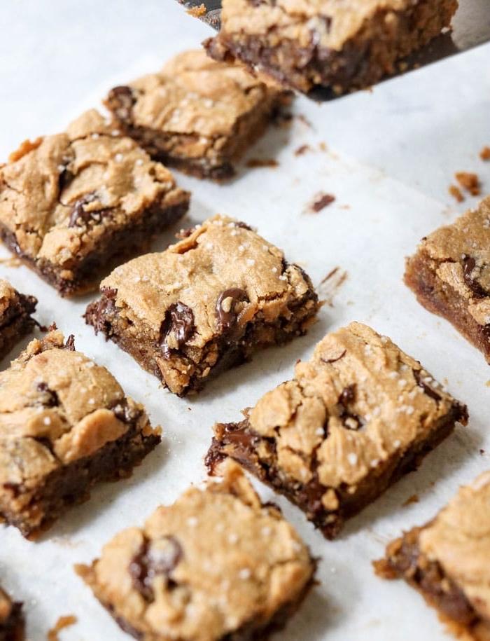 snacks party, schnelle partyrezepte, bars mit schokolade und erdnussbutter, rezepte mit nutella