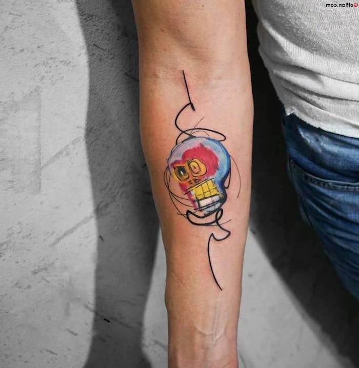 Farbiges Totenkopf Tattoo am Unterarm, Arm Tattoos Ideen zum Entlehnen