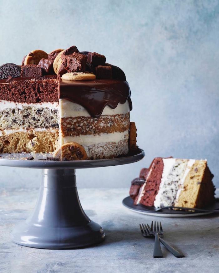 torte 20 cm, tortenboden mit erdnussbutter, kakao und oreo keksen, süßigkeiten torte