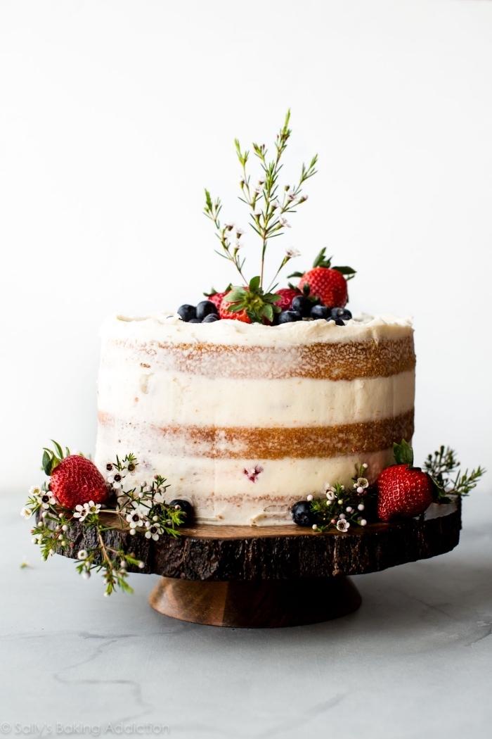 eifnacher kuchen mit beeren und mascarpone, torte mit fertigboden, geburtstagskuchen