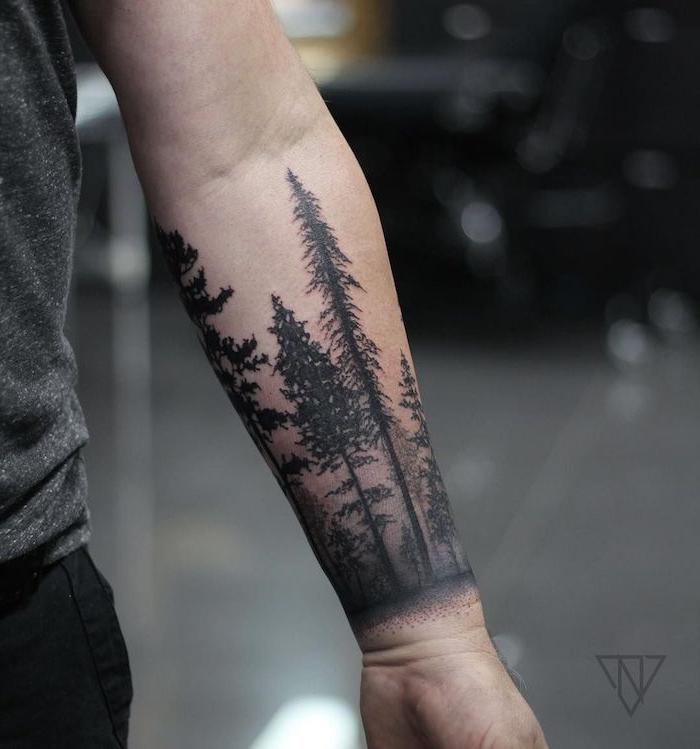 Wald Tattoo am Unterarm, Kiefer Tattoo, Bäume Tätowierung, Ideen für Arm Tattoos