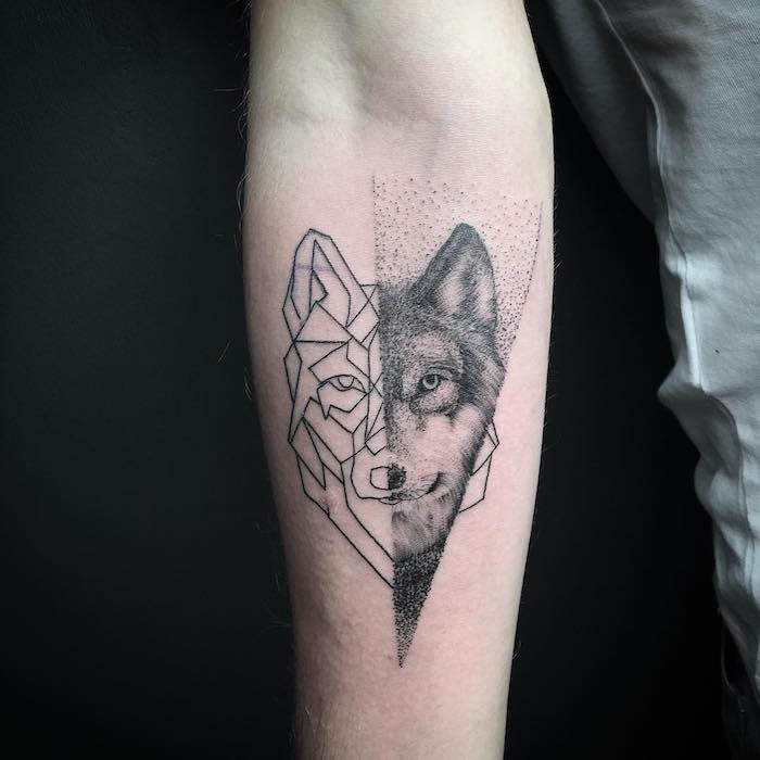 Cooles Wolf Tattoo am Unterarm in zwei unterschiedlichen Stilen, Arm Tattoo Ideen