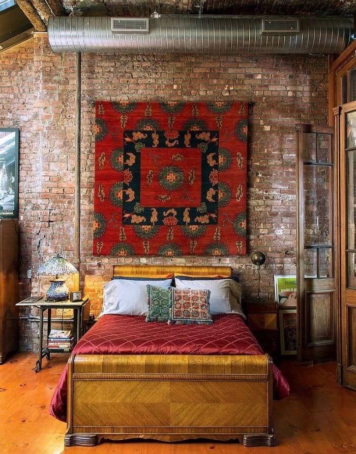 schlafzimmer ideen wandgestaltung, großes pano, ein stoffstück mit besonderem print üüber dem bett, bohemian style