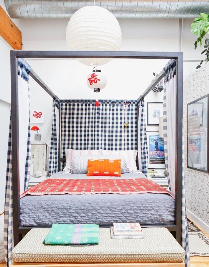 schlafzimmer inspiration, geometrisches design, bunte zimmer ideen, oranger kissen