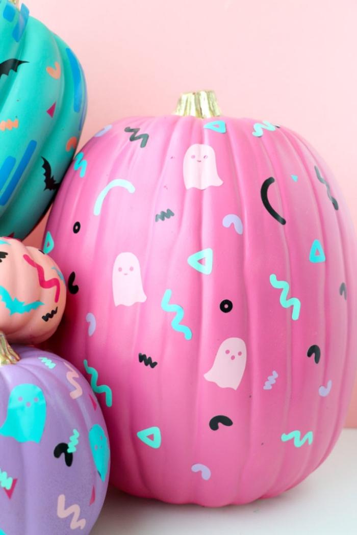 bastelideen hebst, kürbis färben, halloween deko ideen, halloweendeko selber machen