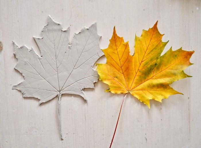 Blätter aus Modelliermasse selber machen mit Anleitung, Ideen für Herbstbasteln