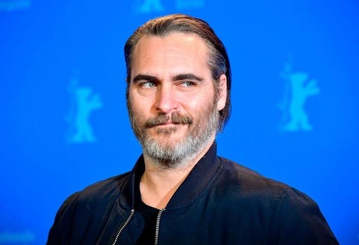 die internationale filmfestspiele in berlin, der schauspieler joaquin phoenix, ein mann mit grauem bart