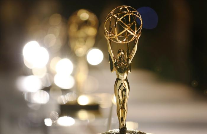 Emmy ohne Moderatoren, der Preis wird von verschiedenen Prominenten vorgestellt