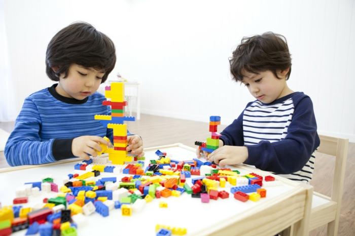 Geschenke für Jungen, LEGO Set für kleine Jungen, Türme aus LEGO Blocks