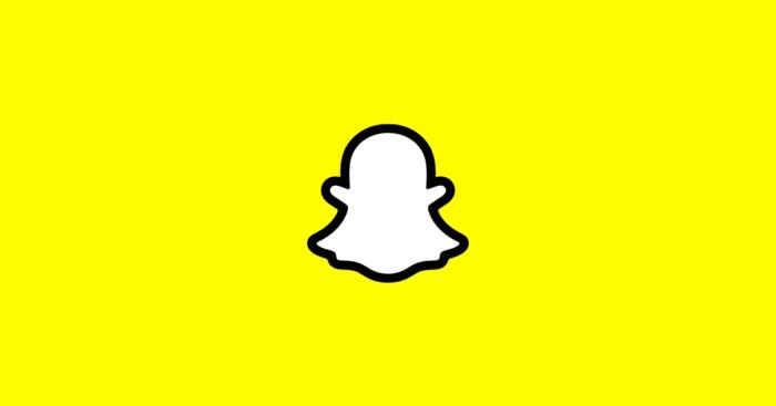 Snapchat bietet 3D Selfie. das Logo von Snapchat ein weißer Geist auf gelber Hintergrund