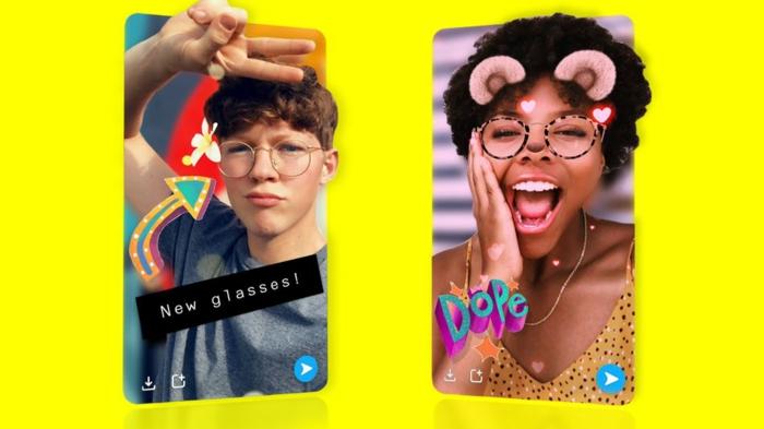 zwei Menschen, die 3D Selfie machen, Brillen und Tierohren und Überschriften