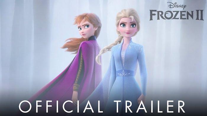 der offizielle trailer zu dem film frozen, zwei junge frauen im wakd mit nebel, eiskönigin 2, frau mit blauem kleid