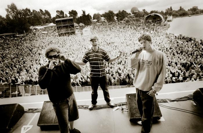 Deichkind, drei Mitglieder Band, die bei Hurricane Festival 2020 rockt