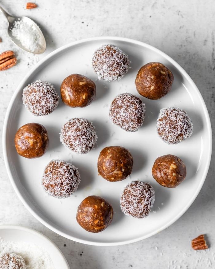 energy ball ideen, eiweiß rezepte, eiweißkugeln mit pekannüssen und datteln