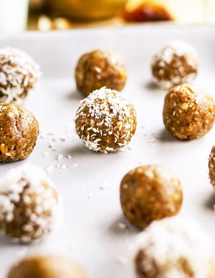 energy balls datteln, stillkugeln rezept, gesund essen, proteinkugeln mit kokosund nüssen