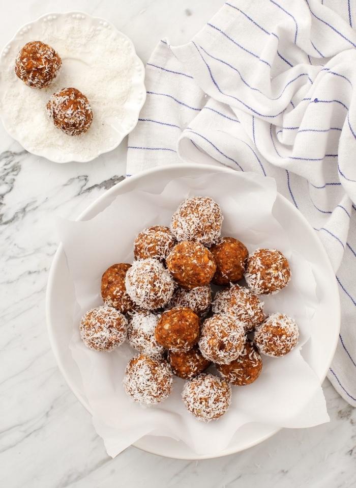 energy balls rezept, stillkugeln mit karotten, nüsssen und kokos, energykugeln