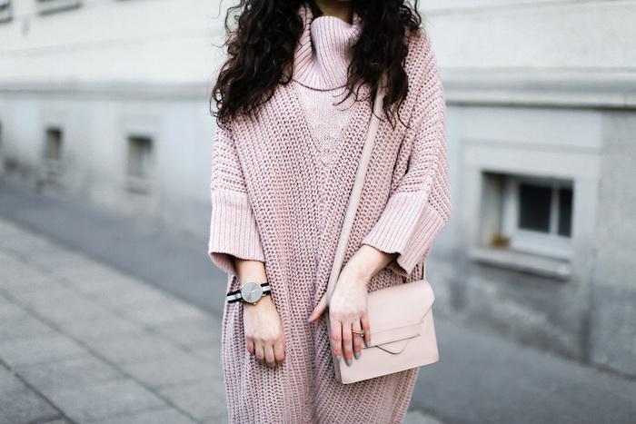 Gestricktes Kleid in Zartrosa, Kleider-Trends für Herbst/Winter 2019