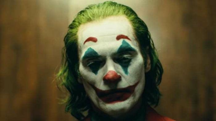 Joker ist ein Serienmörder, der zu Gegner von Batman wird, nachdem der Joker die Eltern von Batman getötet hat