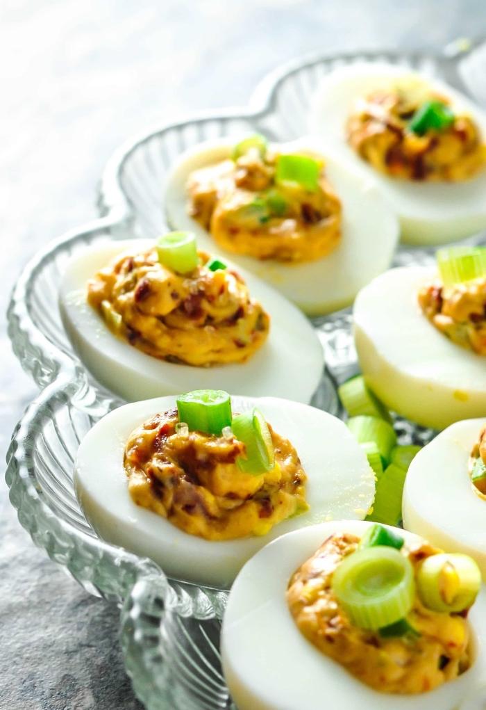 ketogenes frühstück ideen, deviled eier, party essen rezepte, fingerfood ideen