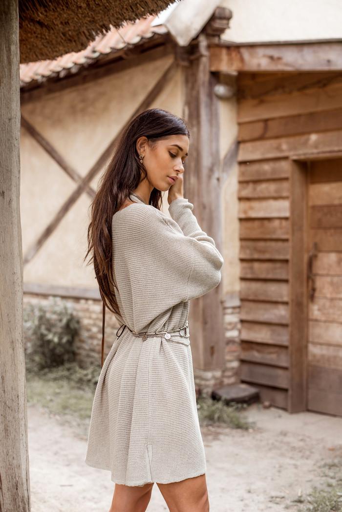 Gestricktes Kleid in Beige, Mode Trends für Herbst/Winter 2019, casual Mode