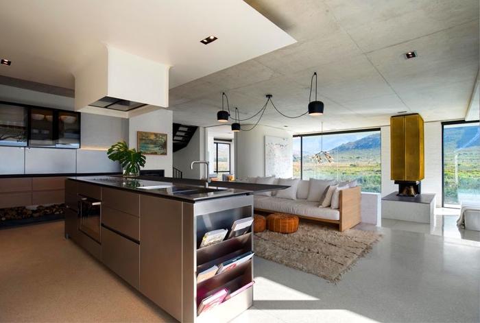 küche esszimmer wohnzimmer in einem raum, lange kücheninsel, kücheneinrcihtung ideen