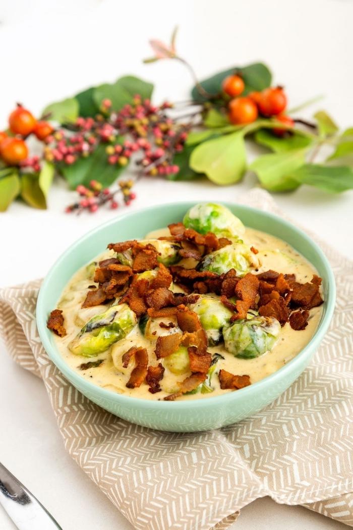 keto suppe mit bacon und kraut, low carb high fat rezepte, creme suppe zubereitung