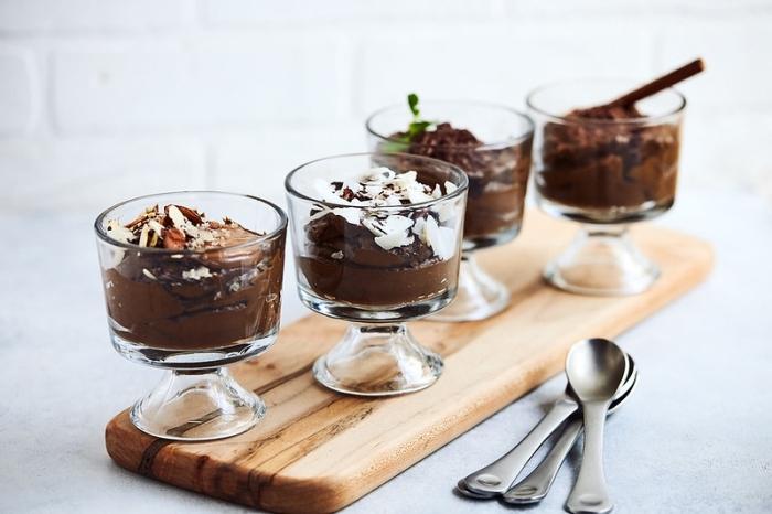party essen ideeen, rezept mousse au chocolat, schokodessert verschiedene rezepte