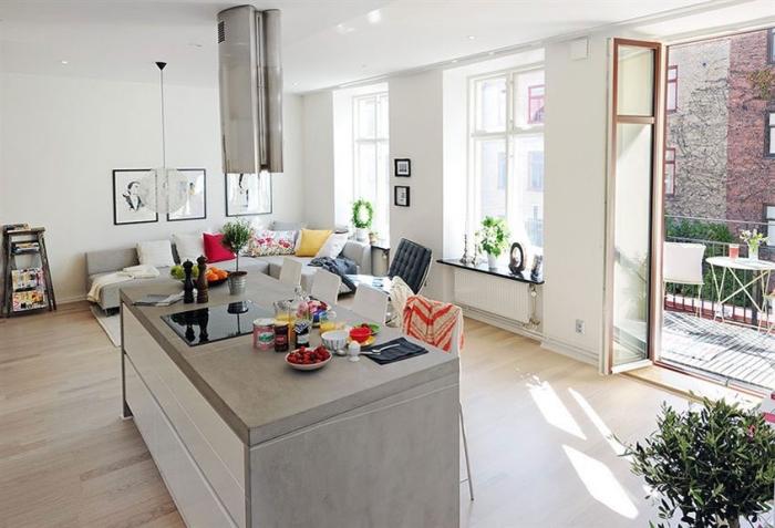 wohnzimmereinrichtung in weiß und hellgrau, wohnzimmer ideen für kleine räume, holzboden
