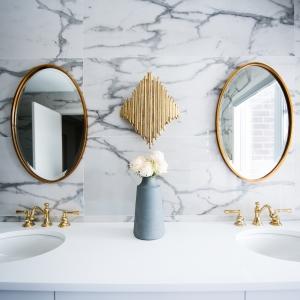 Den richtigen Badezimmerspiegel auswählen - Tipps und Hinweise