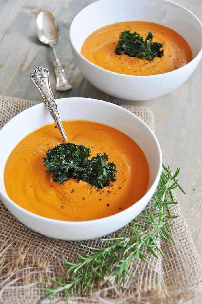 beste suppe rezepte, karottensuppe mit kräutern, suppe mit karotten und kartoffeln