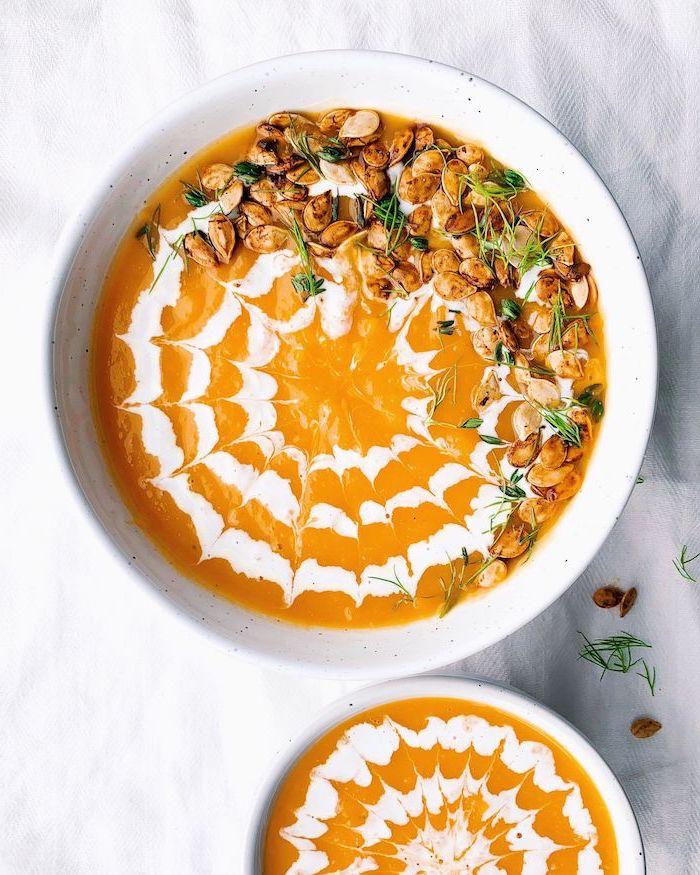 beste suppe rezept, abendessen ideen, cremesuppen garniert mit creme fraiche, gesund essen